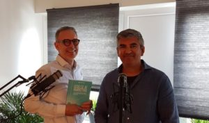 Podcast med Leon Birdi: Marketing, salg og sammenhæng.